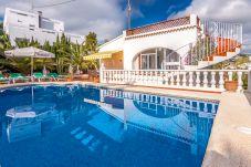 Villa en Benissa a 800 m de la playa