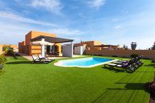 Villa en Caleta de Fuste a 1500 m de la playa