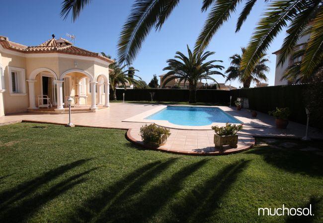 Villa con amplio jardín en Els Poblets - Ref. 76618-17