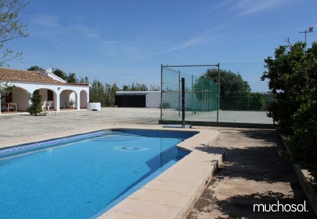 Villa con piscina y pista de tenis privada - Ref. 110512-1