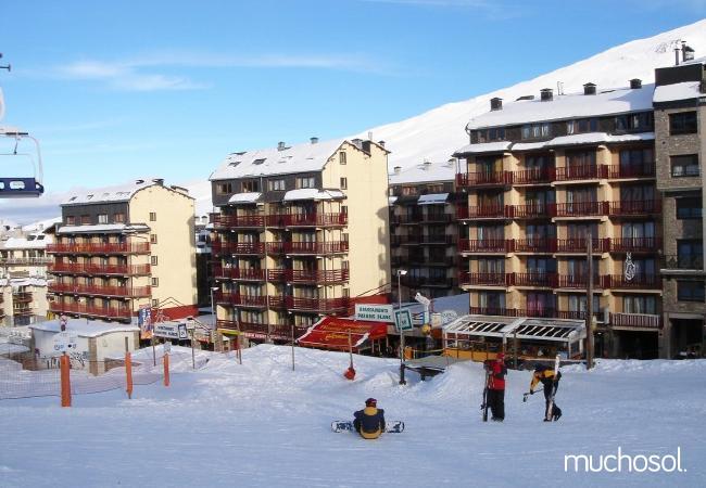 Apartamentos a 50 metros de la estación de Grandvalira - Ref. 63452-1