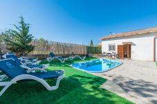 Villa en Lloseta para 8 personas con 4 habitaciones