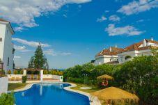 Apartamento con piscina en la zona de Lomas