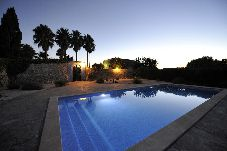 Villa con piscina en Montuïri
