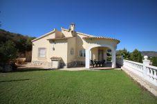 Villa en Oliva a 4 km de la playa