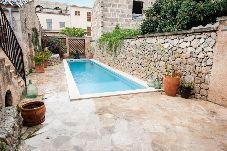 Villa con piscina en Petra