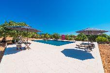 Apartamento con piscina en Santa Maria del cami