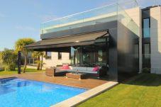 Villa con piscina en Sanxenxo