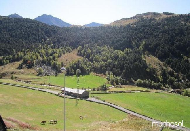 Complejo de estudios en Soldeu con bonitas vistas a la montaña - Ref. 114356-21