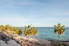 Apartamento en primera línea de playa de Son Servera