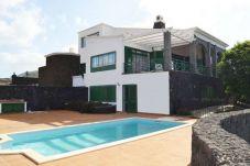 Villa en Yaiza para 10 personas con 4 habitaciones